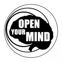 tee shirt open your mind...