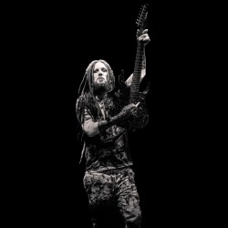 tee shirt brian head welch...