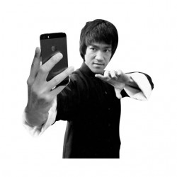 Bruce Lee Selfie white...