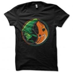tee shirt arrow logo...