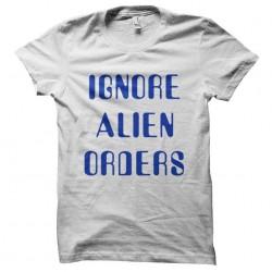 tee shirt ignore alien...