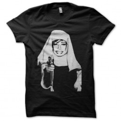 Nonne t-shirt with a black...