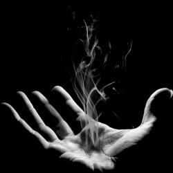 Tee Shirt main qui fume  sublimation