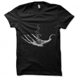 Tee Shirt hand smoking...