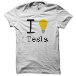I love Tesla white...