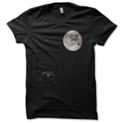 T-shirt cat on the moon...